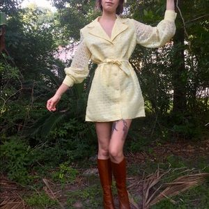 Vintage 1960-70s yellow lace mini